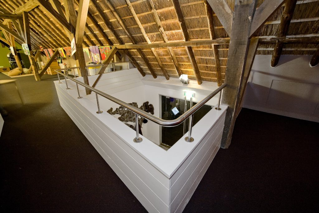 drijvers-oisterwijk-boerderij-houten-balken-riet-kantoor-min
