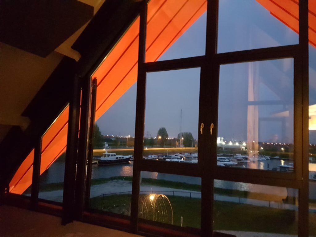 drijvers-oisterwijk-haven-kantoor-ramen-felsdak-aluminium-dak-min