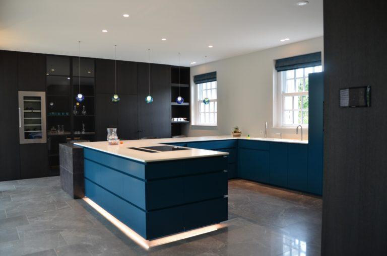 drijvers-oisterwijk-interieur-keuken-kookeiland-lampen-gestuct