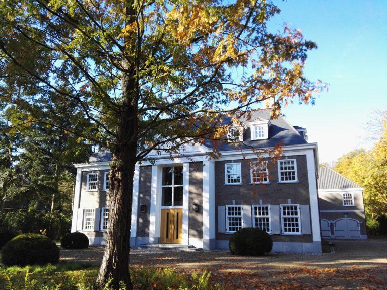 drijvers-oisterwijk-landelijke-modern-villa-raam-voordeur-52