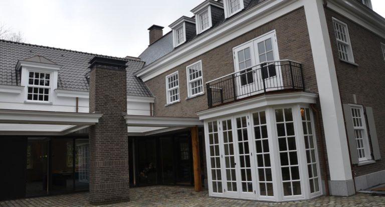 drijvers-oisterwijk-landelijke-modern-villa-ramen-balkon