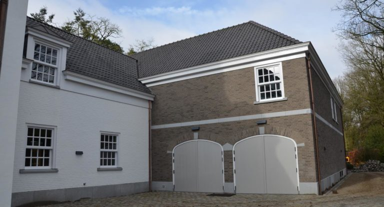 drijvers-oisterwijk-landelijke-modern-villa-ramen-garagedeur