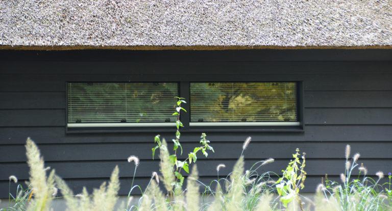 drijvers-oisterwijk-bosvilla-riet-hout-bungalow (12)