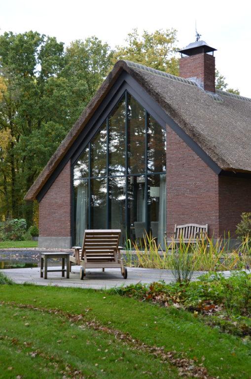 drijvers-oisterwijk-bosvilla-riet-hout-bungalow (17)