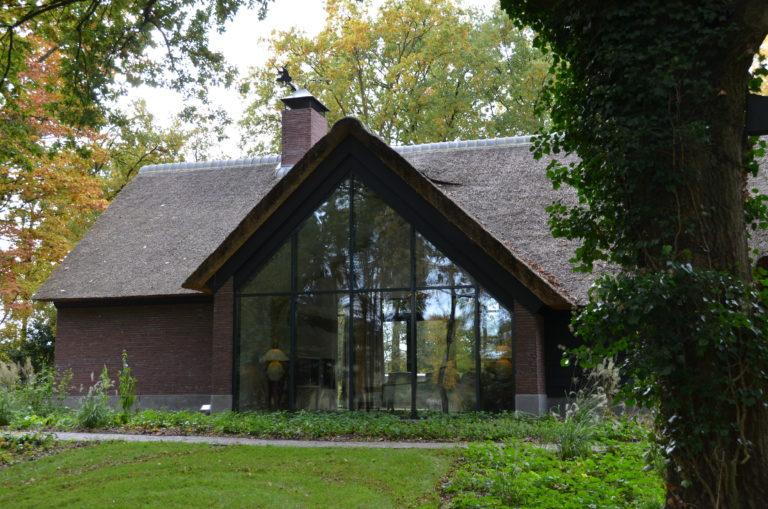 drijvers-oisterwijk-bosvilla-riet-hout-bungalow (19)