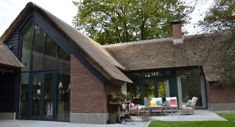 drijvers-oisterwijk-bosvilla-riet-hout-bungalow (7)