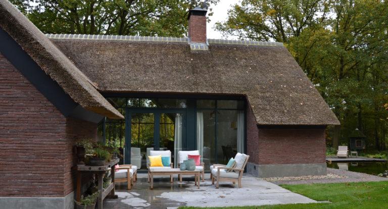 drijvers-oisterwijk-bosvilla-riet-hout-bungalow (8)