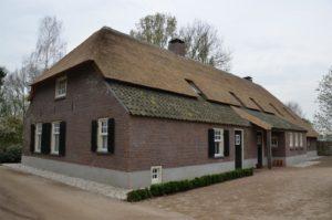 drijvers-oisterwijk-restauratie-boerderij-monument-riet (3)