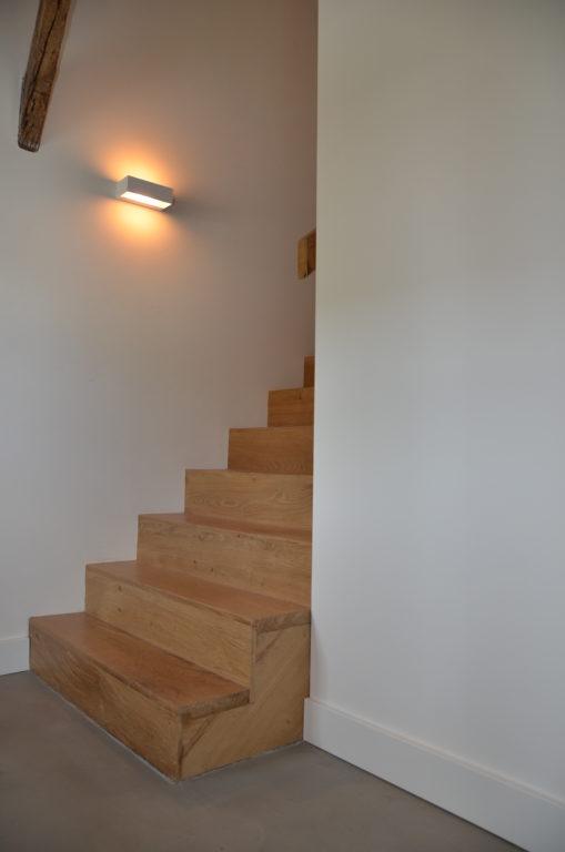 drijvers-oisterwijk-interieur-landelijke-gestuct-trap-lamp