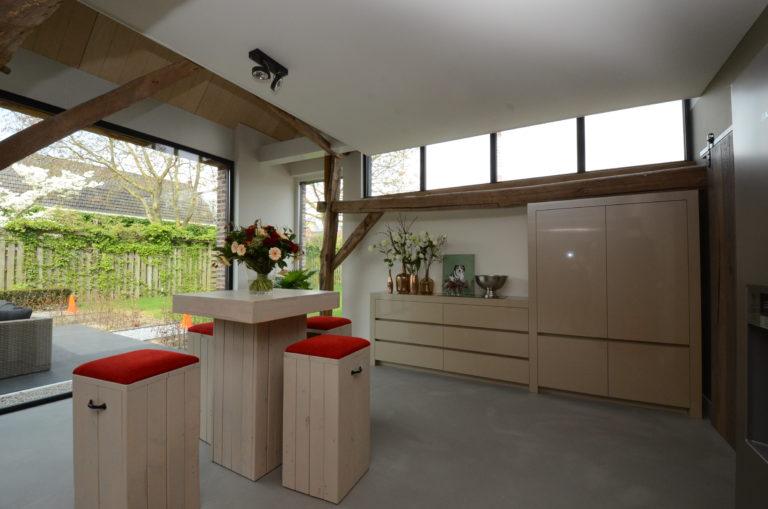 drijvers-oisterwijk-interieur-landelijke-houtespant-gestuct-bijkeuken-hout