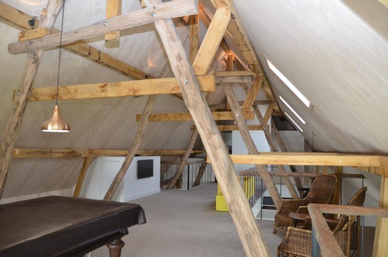 drijvers-oisterwijk-interieur-landelijke-houtespant-lamp