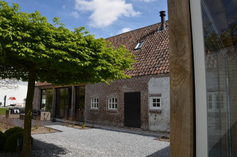 drijvers-oisterwijk-landelijk-boederij-baksteen-dakpannen-glas