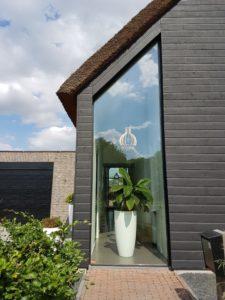 drijvers-oisterwijk-schuurwoning-riet-hout-glas-entree-min