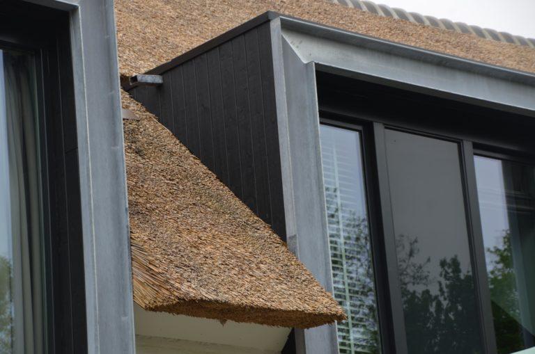 drijvers-oisterwijk-boerderij-villa-wit- geverfd-baksteen-riet-ramen-wolfseind-1