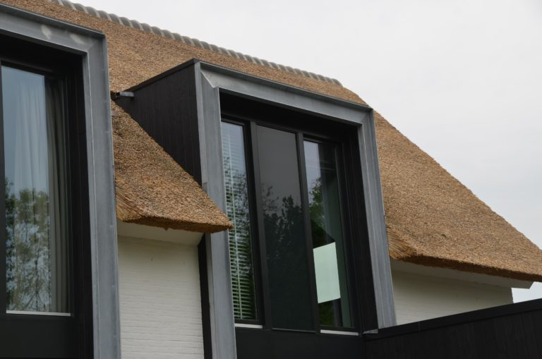 drijvers-oisterwijk-boerderij-villa-wit- geverfd-baksteen-riet-ramen-wolfseind-2