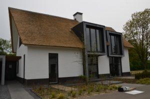 drijvers-oisterwijk-boerderij-villa-wit- geverfd-baksteen-riet-ramen-wolfseind-schoorsteen-5
