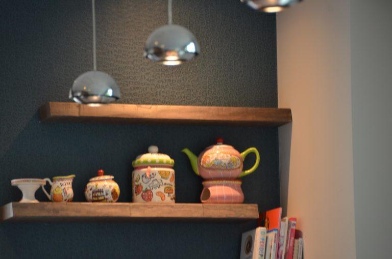 drijvers-oisterwijk-interieur-keuken-behang-blond-amsterdam-hout-plank-1