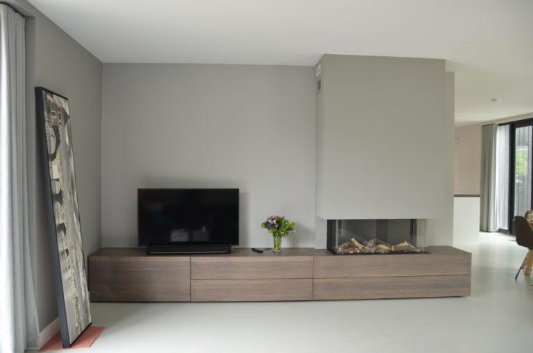 drijvers-oisterwijk-interieur-woonkamer-hout-openhaard-ramen