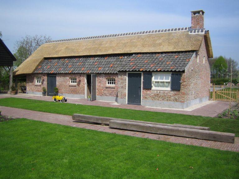 drijvers-oisterwijk-boerderij-dakpannen-wolfseind-raam-schoosteen-3