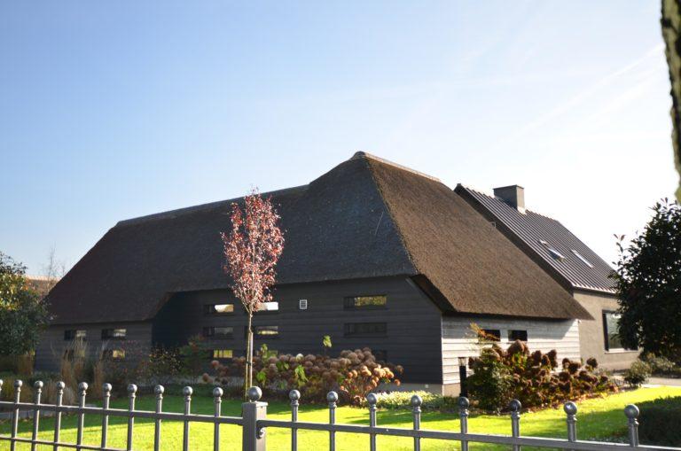drijvers-oisterwijk-someren-villa-boerderij-modern-architectuur-riet-zink (5)