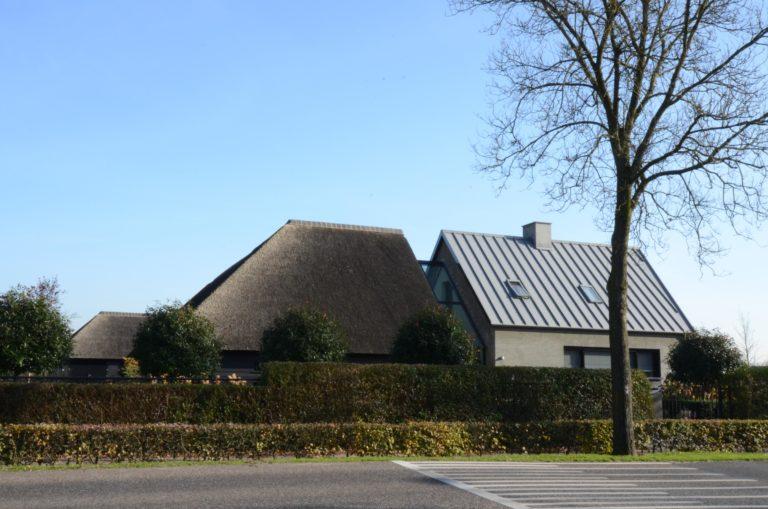 drijvers-oisterwijk-someren-villa-boerderij-modern-architectuur-riet-zink (6)