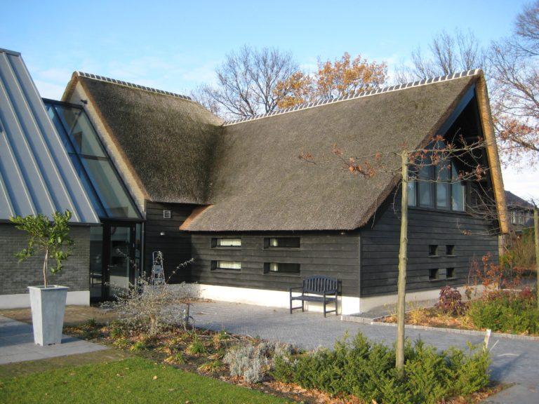 drijvers-oisterwijk-someren-villa-boerderij-modern-architectuur-riet-zink (8)