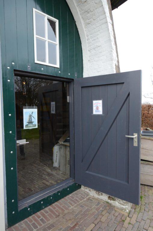 drijvers-oisterwijk-molen-wieken-hout-bakstenen-winkel-exterieur-verbouwing (4)