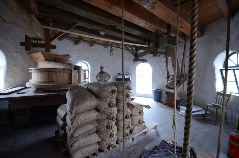 drijvers-oisterwijk-molen-wieken-hout-bakstenen-winkel-interieur-verbouwing-keuken (15)