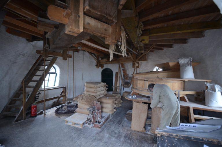 drijvers-oisterwijk-molen-wieken-hout-bakstenen-winkel-interieur-verbouwing-keuken (16)