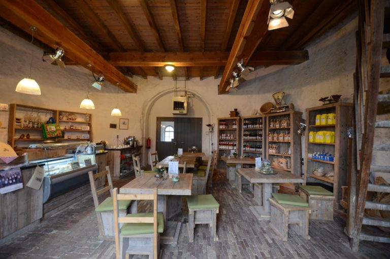 drijvers-oisterwijk-molen-wieken-hout-bakstenen-winkel-interieur-verbouwing-keuken (5)