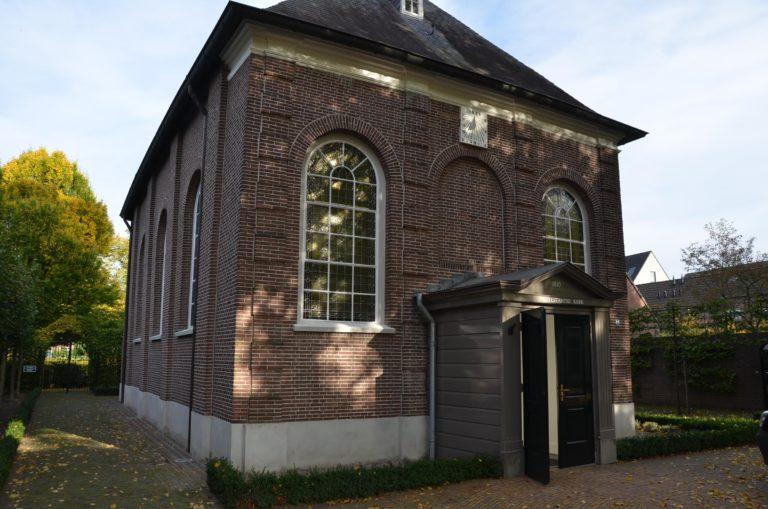 drijvers-oisterwijk-kerk-kerkstraat-verbouwing-exterieur-glas-in-lood-bakstenen-pannendak-utiliteit(1)