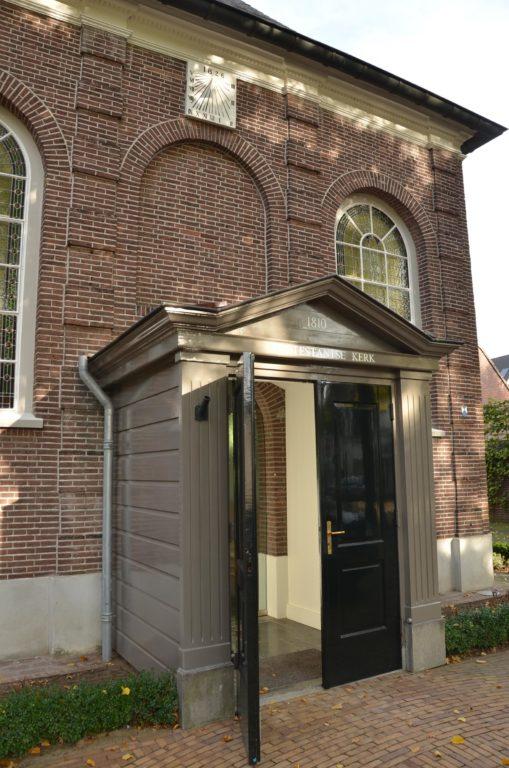 drijvers-oisterwijk-kerk-kerkstraat-verbouwing-exterieur-glas-in-lood-bakstenen-pannendak-utiliteit(4)