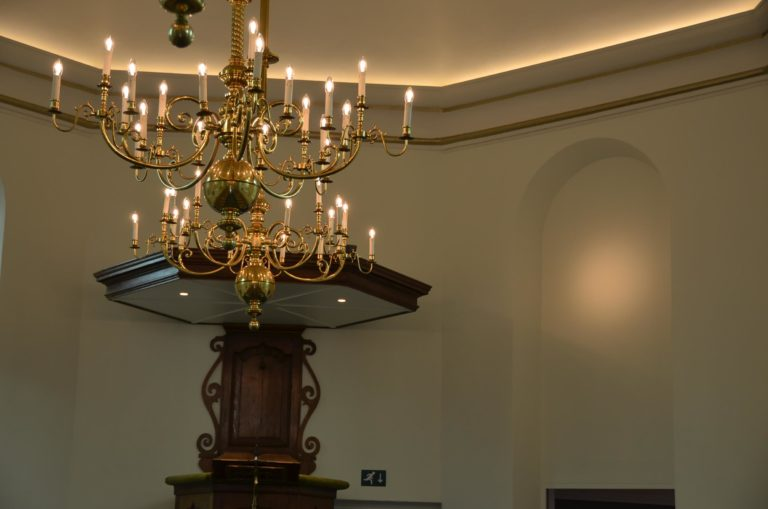 drijvers-oisterwijk-kerk-kerkstraat-verbouwing-interieur-traditioneel-glas-in-lood-utiliteit (10)