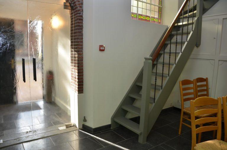 drijvers-oisterwijk-kerk-kerkstraat-verbouwing-interieur-traditioneel-glas-in-lood-utiliteit (4)