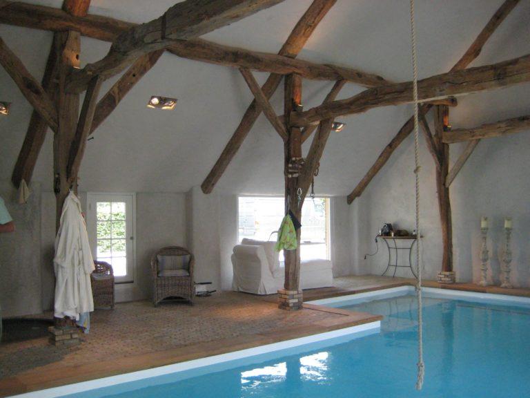 drijvers-oisterwijk-boerderij-exterieur-restauratie-interieur-zwembad-spanten (24)