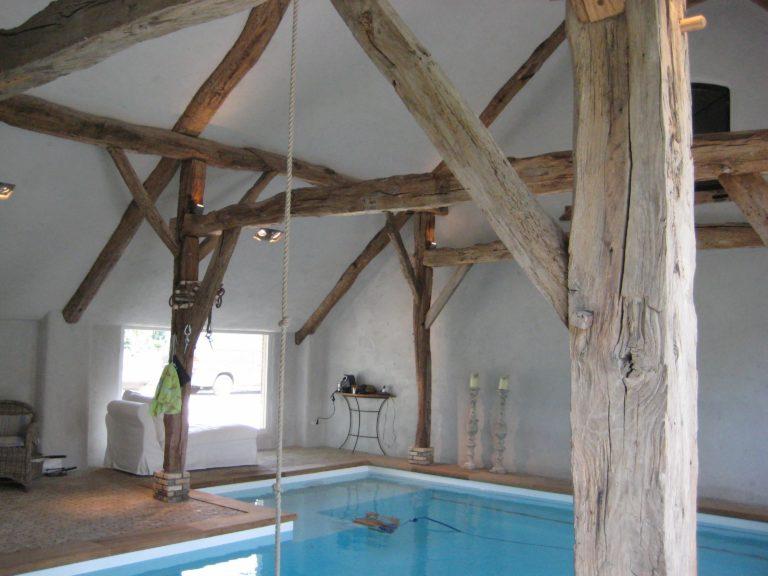 drijvers-oisterwijk-boerderij-exterieur-restauratie-interieur-zwembad-spanten (4)