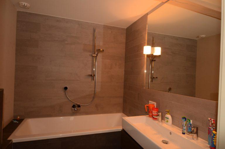 drijvers-oisterwijk-verbouwing-interieur-badkamer-tegel-spiegel-landelijk-traditioneel-particulier-woonhuis (24)