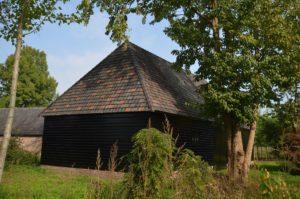 drijvers-oisterwijk-restauratie-exterieur-boerderij-pannendak-houten-gevel-ramen-deuren-spanten-bakstenen-landelijk (18)
