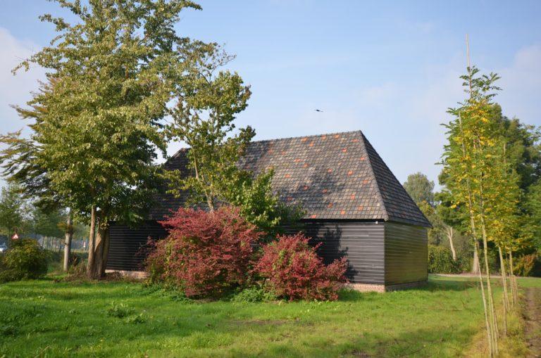 drijvers-oisterwijk-restauratie-exterieur-boerderij-pannendak-houten-gevel-ramen-deuren-spanten-bakstenen-landelijk (2)