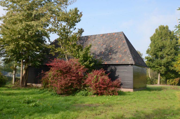 drijvers-oisterwijk-restauratie-exterieur-boerderij-pannendak-houten-gevel-ramen-deuren-spanten-bakstenen-landelijk (3)