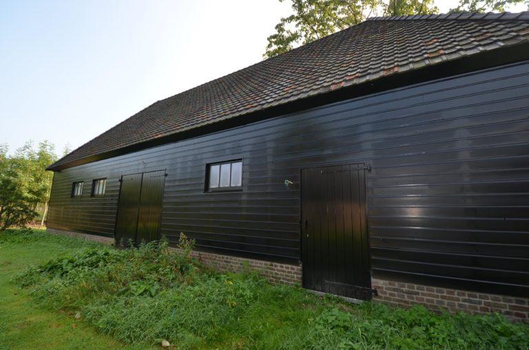 drijvers-oisterwijk-restauratie-exterieur-boerderij-pannendak-houten-gevel-ramen-deuren-spanten-bakstenen-landelijk (9)
