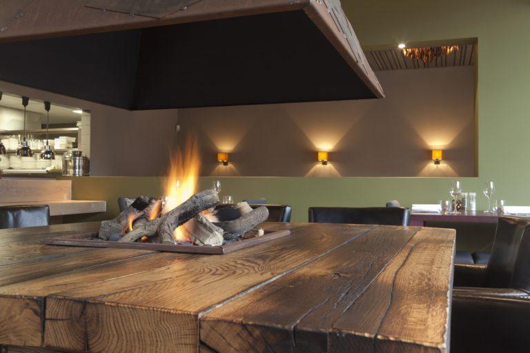 drijvers-oisterwijk-sec-interieur-restaurant-warm-gezellig-vuurtafel (12)