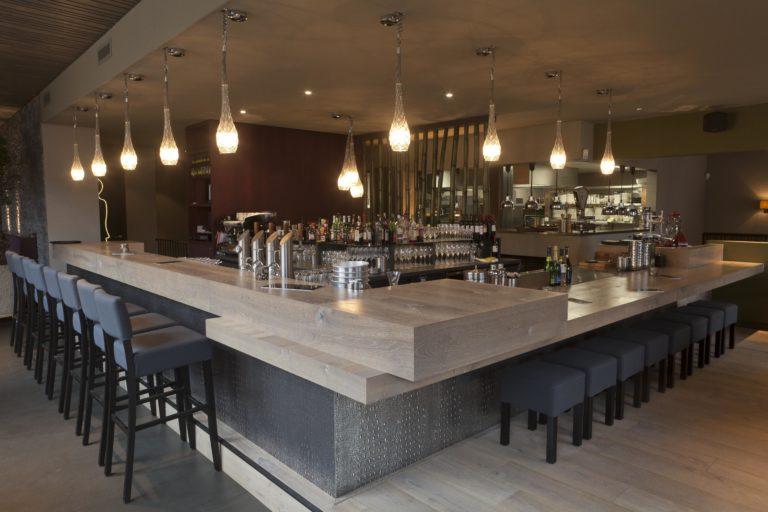 drijvers-oisterwijk-sec-interieur-bar-restaurant-warm-gezellig-vuurtafel (14)