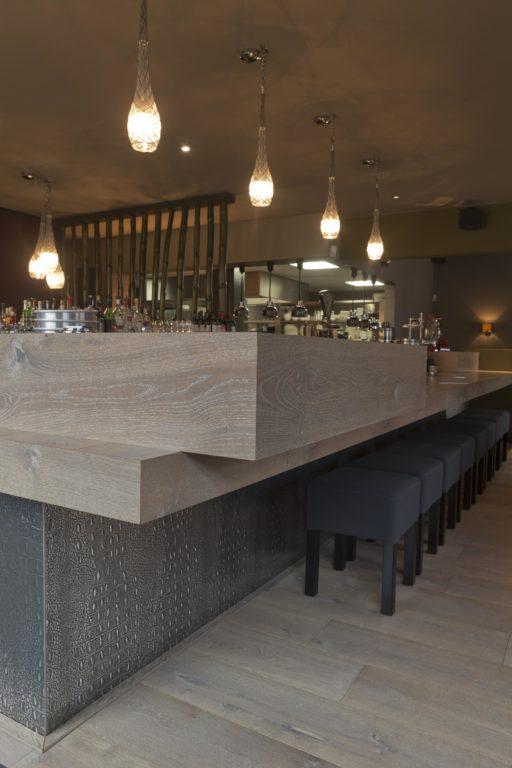 drijvers-oisterwijk-sec-interieur-bar-restaurant-warm-gezellig-vuurtafel (15)