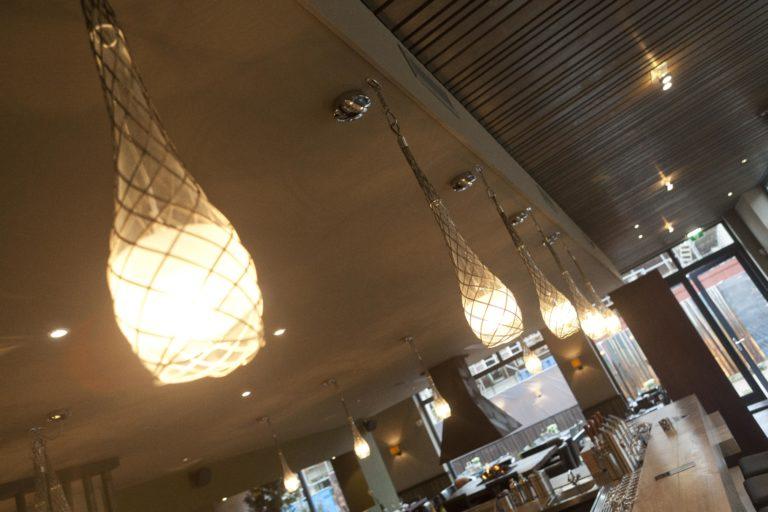drijvers-oisterwijk-sec-interieur-verlichting-restaurant-warm-gezellig-vuurtafel (16)
