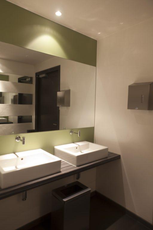 drijvers-oisterwijk-sec-interieur-restaurant-toilet-wastafel-warm-gezellig-vuurtafel (2)