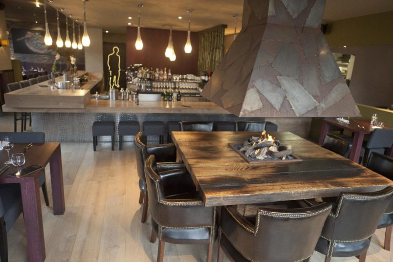 drijvers-oisterwijk-sec-interieur-restaurant-warm-gezellig-vuurtafel (23)