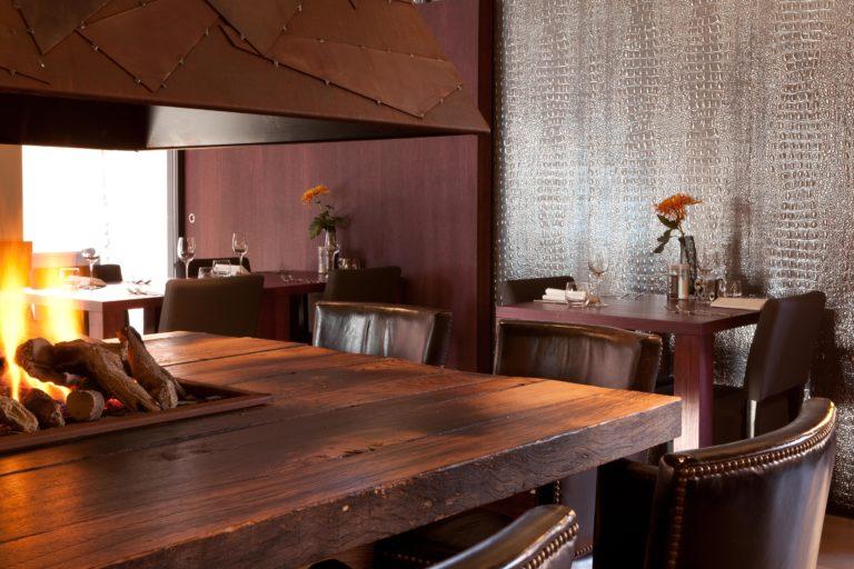 drijvers-oisterwijk-sec-interieur-restaurant-warm-gezellig-vuurtafel (27)