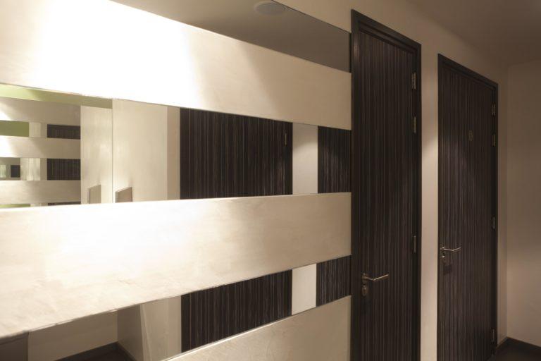 drijvers-oisterwijk-sec-interieur-spiegel-deur-restaurant-warm-gezellig-vuurtafel (3)