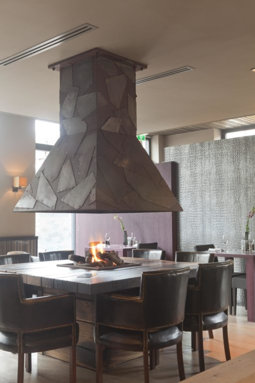 drijvers-oisterwijk-sec-interieur-restaurant-warm-gezellig-vuurtafel (9)